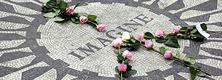 EL MITO DE JOHN LENNON SIGUE VIVO 25 AÑOS DESPUES DE SU MUERTE